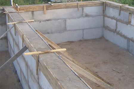 дом из фундаментных блоков фото